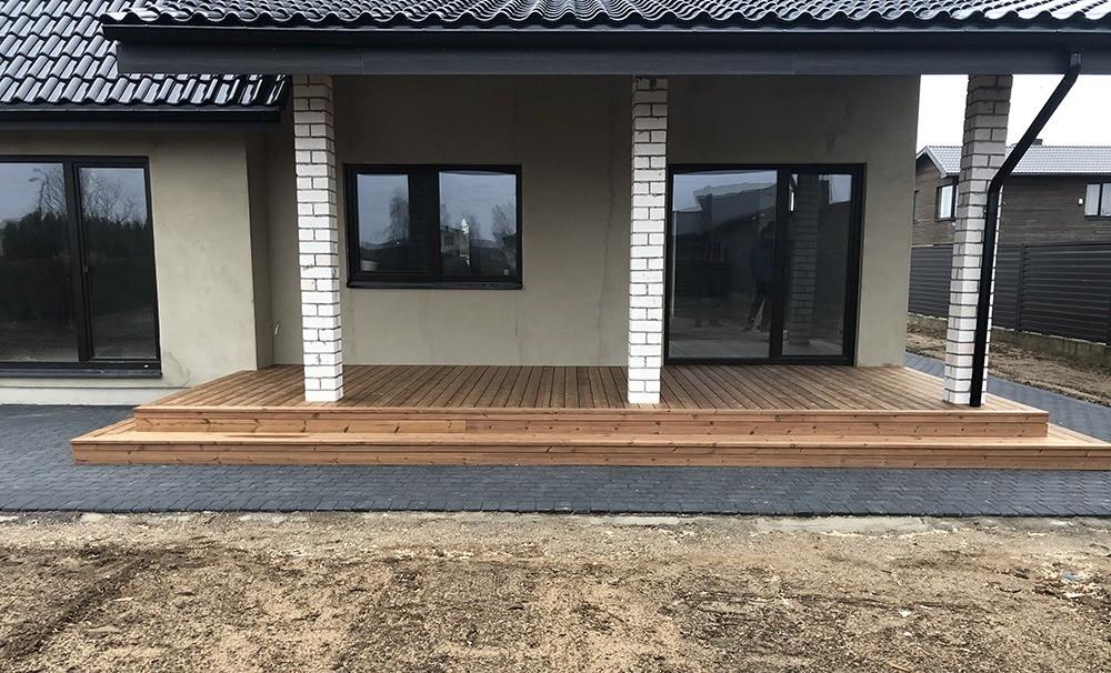lauko terasos grindys