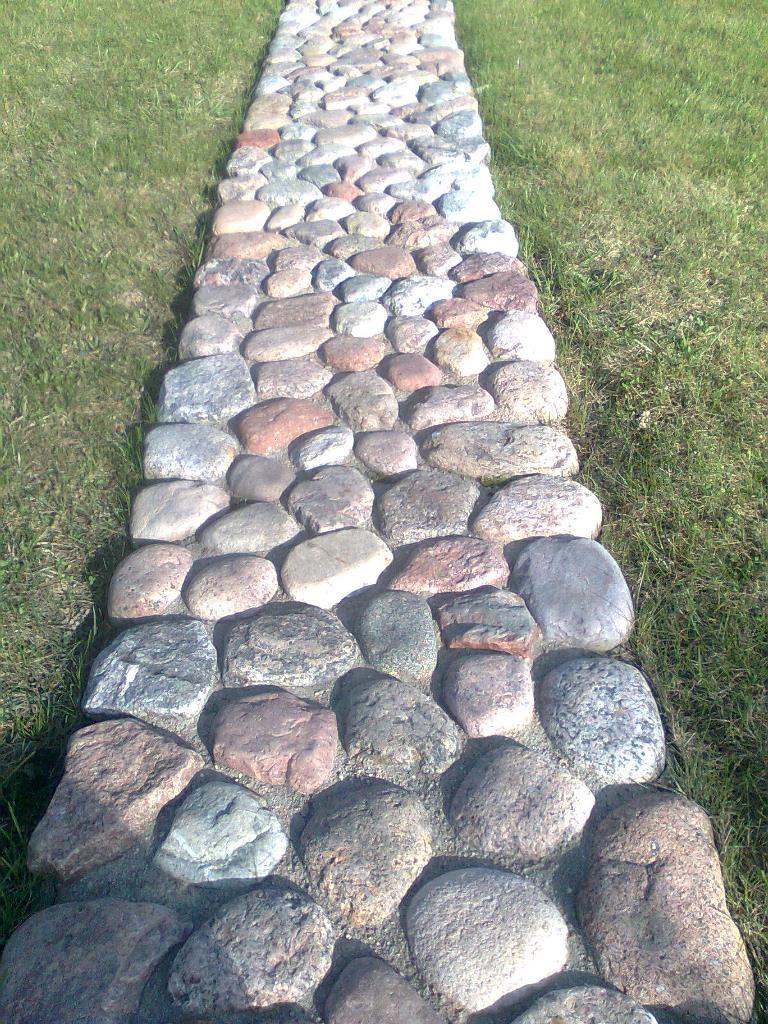 akmenu takelis