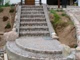 laiptai is akmenu