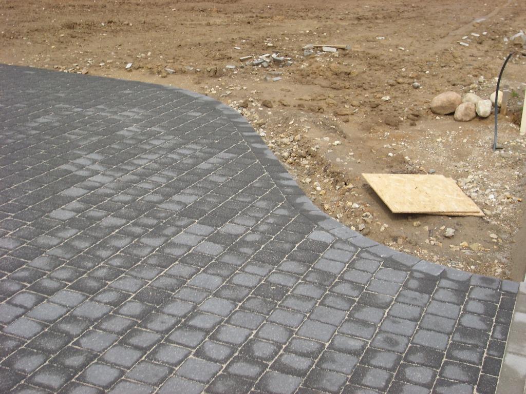 sudėtos betono trinkelės
