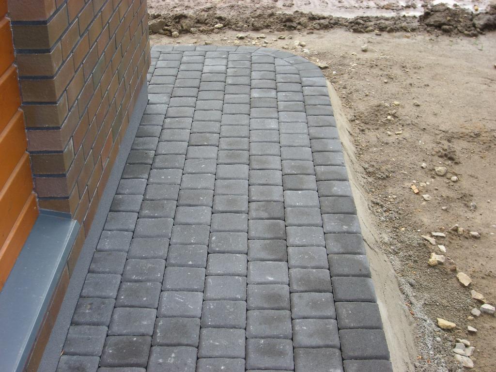 betoninių trinkelių kampas
