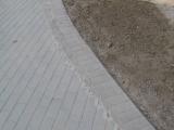 betono trinkelių spalvos perėjimas