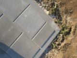 krepšinio aikštelės kampas iš betoninių trinkelių