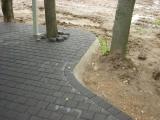 betoninių trinkelių kiemas